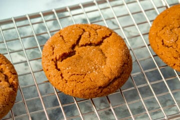 ginger cookie on a cooling rack